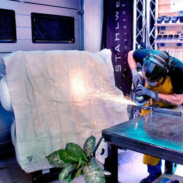 Welding protection blanket made of genuine leather